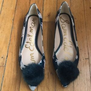 Adorable sheep pointed toe flats with poof